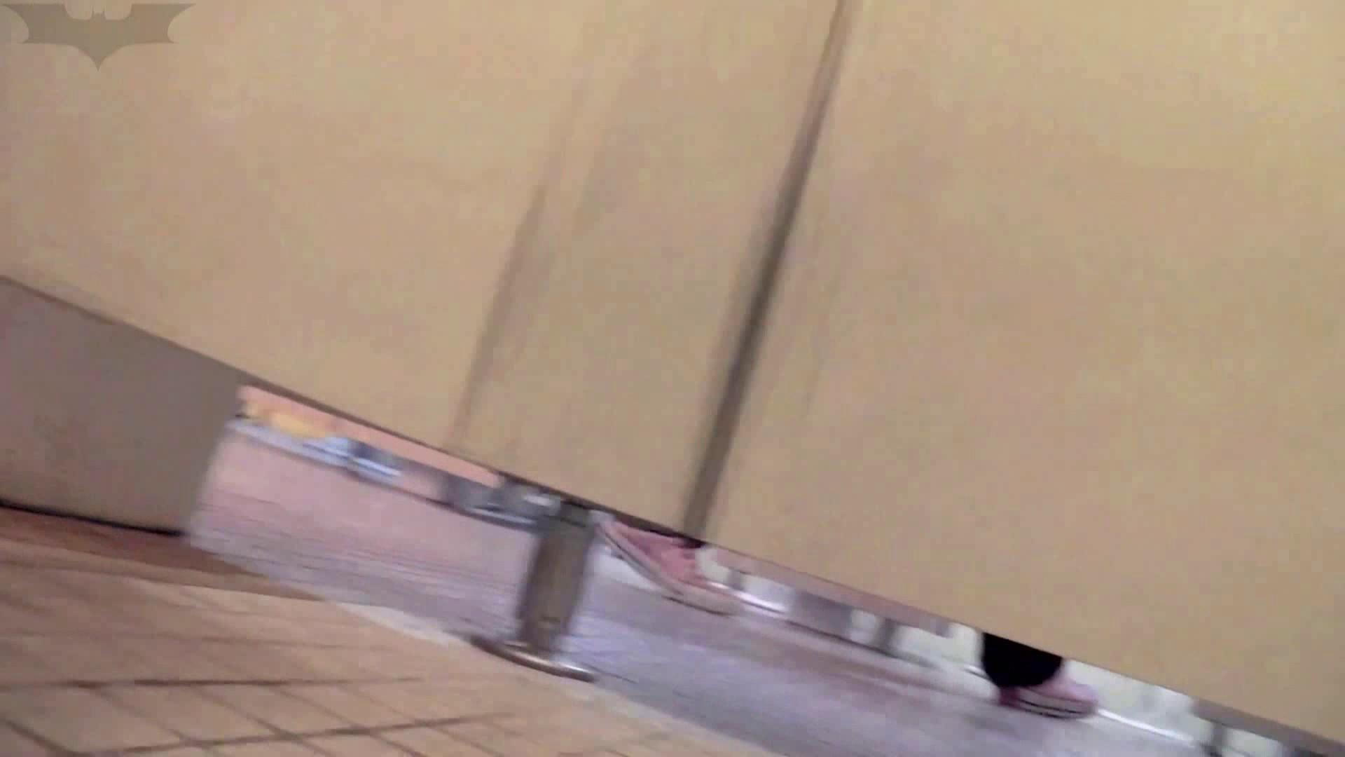 無修正ヌード|第三体育館潜入撮File009 珍しい!左手で御尻を広げながら右手で拭く|怪盗ジョーカー