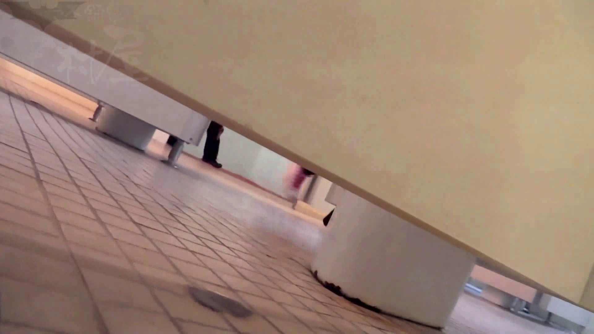 無修正ヌード|第三体育館潜入撮File009 珍しい!左手で御尻を広げながら右手で拭く|のぞき本舗 中村屋