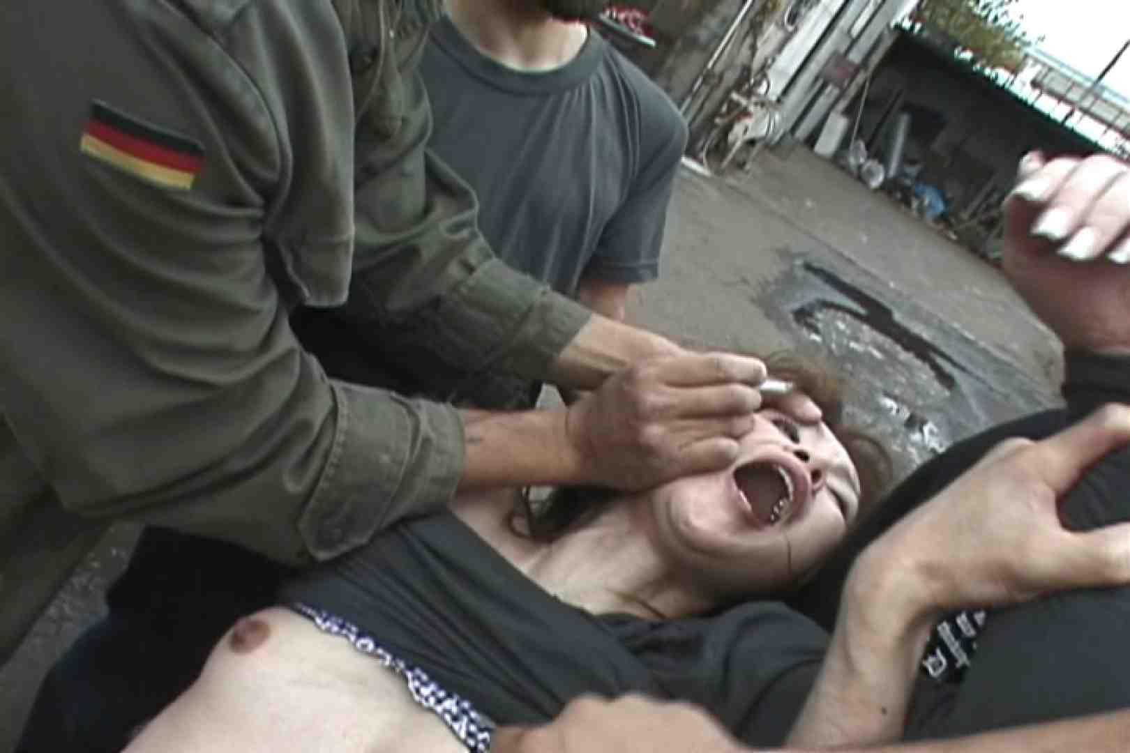 飢えた男達が買い物帰りの女性達に・・・!~vo,2 中出し | 熟女の裸体  85画像 51