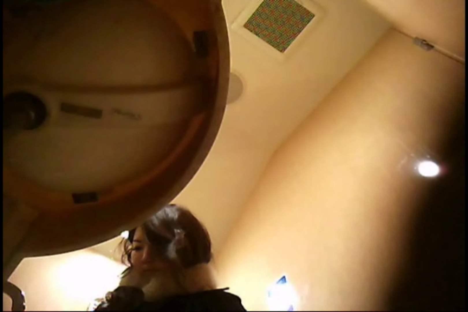 潜入!!女子化粧室盗撮~絶対見られたくない時間~vo,8 お姉さんの裸体 | 洗面所  111画像 17