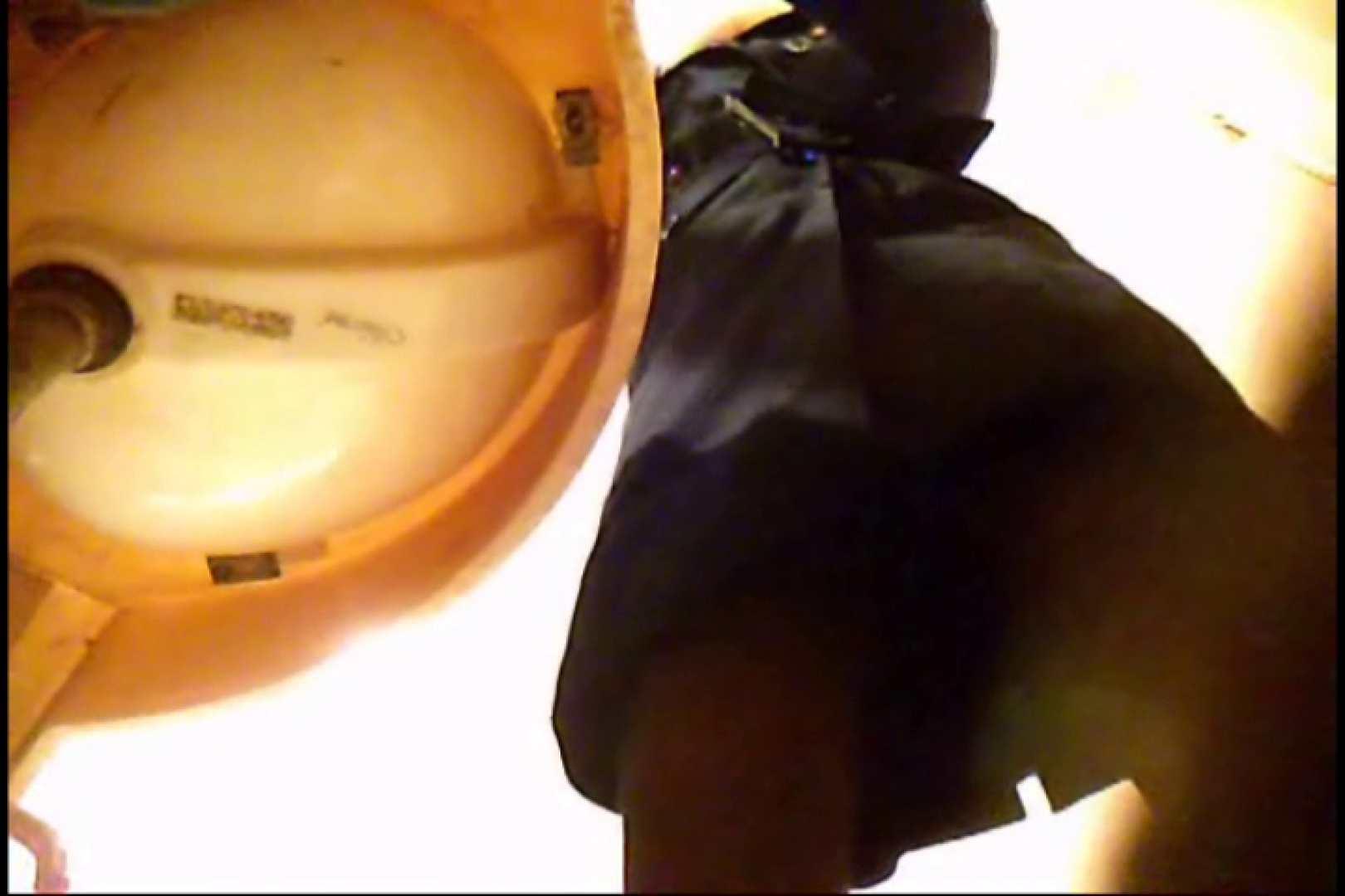 潜入!!女子化粧室盗撮~絶対見られたくない時間~vo,8 お姉さんの裸体 | 洗面所  111画像 24