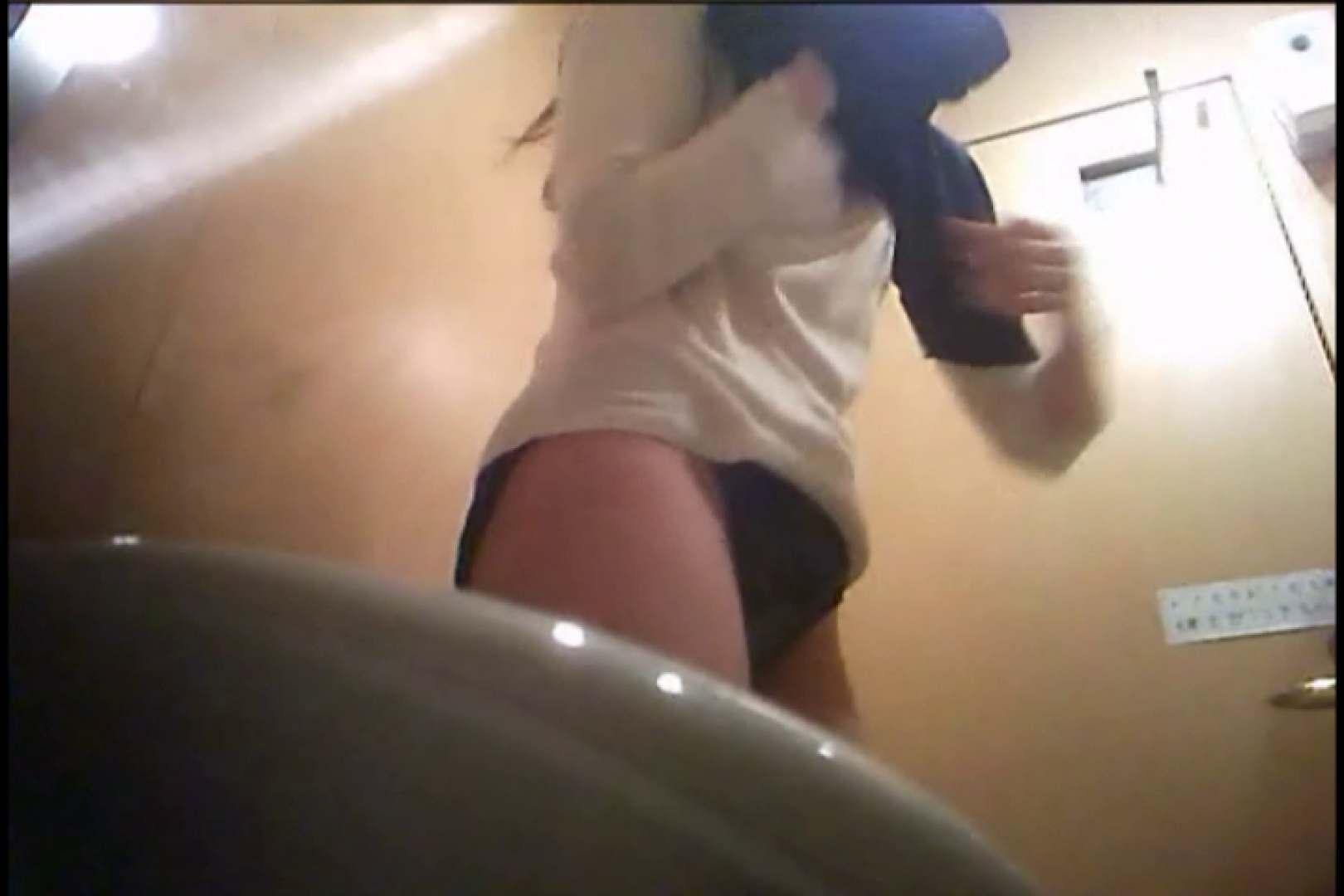 潜入!!女子化粧室盗撮~絶対見られたくない時間~vo,17 お姉さんの裸体 | 盗撮  112画像 64