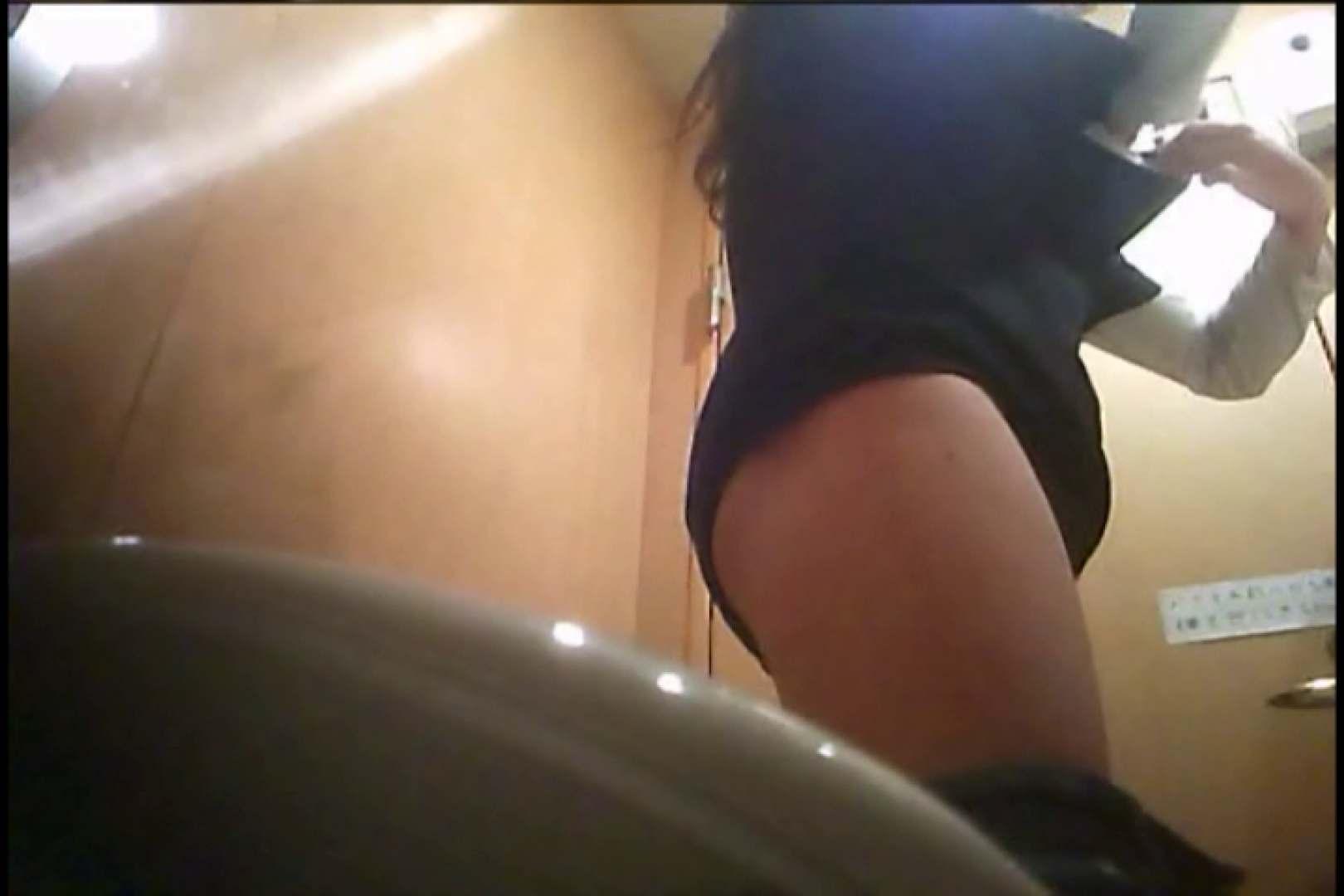 潜入!!女子化粧室盗撮~絶対見られたくない時間~vo,17 お姉さんの裸体 | 盗撮  112画像 65