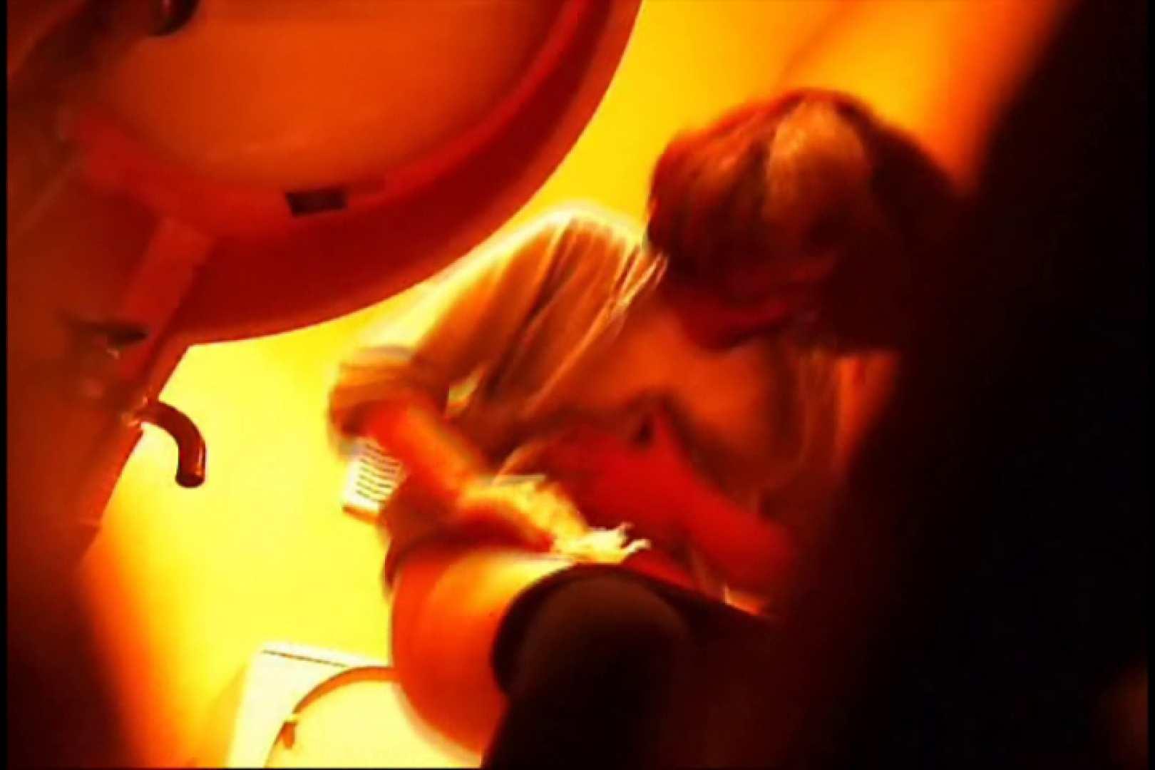 潜入!!女子化粧室盗撮~絶対見られたくない時間~vo,18 お姉さんの裸体 | 潜入  105画像 1