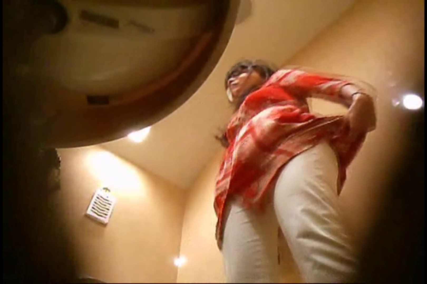 潜入!!女子化粧室盗撮~絶対見られたくない時間~vo,30 熟女の裸体 | 盗撮  109画像 70