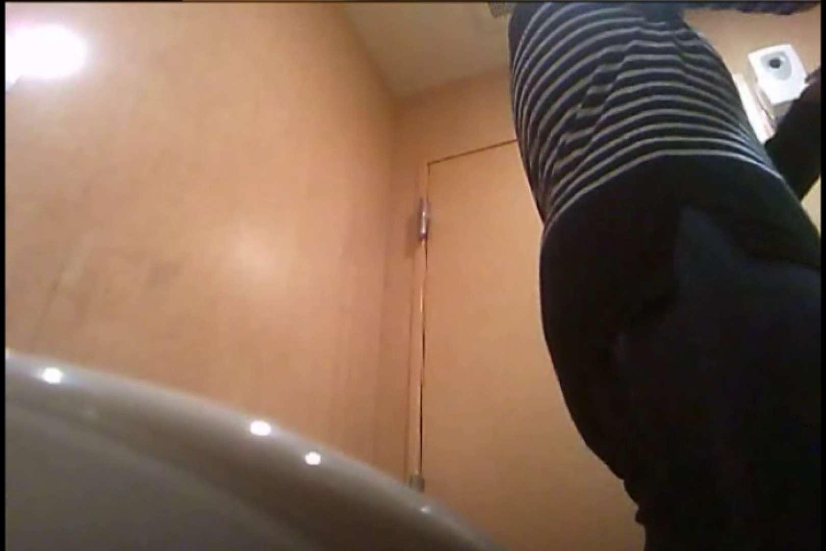 潜入!!女子化粧室盗撮~絶対見られたくない時間~vo,30 熟女の裸体 | 盗撮  109画像 105
