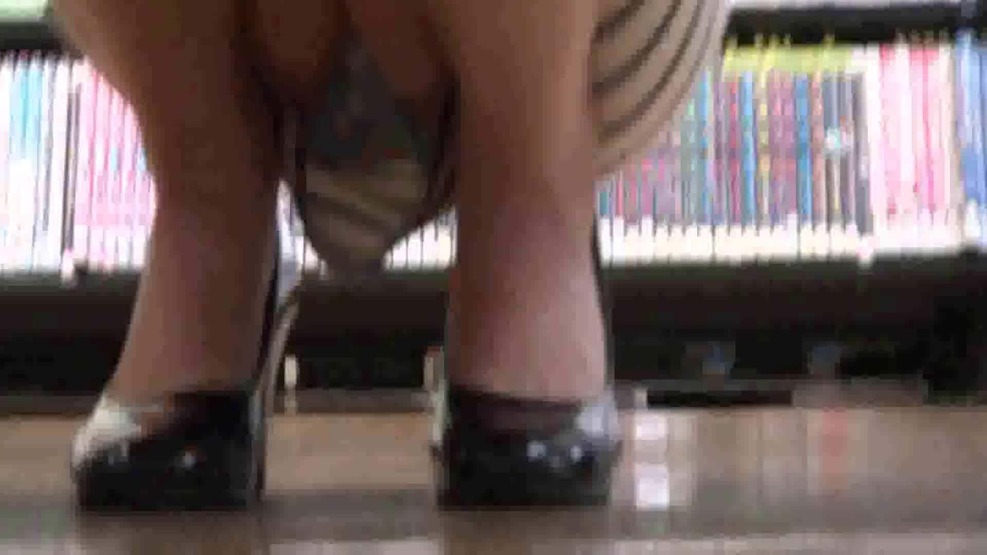 真剣に買い物中のgal達を上から下から狙います。vol.01 OL裸体 | チラ系  99画像 67